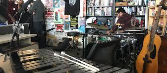 Wilco Tiny Desk Concert Npr by Surprise Wilco Performance At Npr U0027s Tiny Desk Famousdc