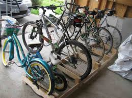 Diy Pallet Bike Rack And Scooter Her Tool Belt Storage Options For Hoarders Nature Kids