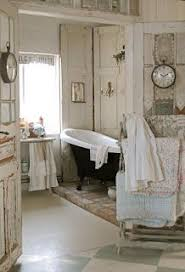 Love That Tub Rustic French Country Farmhouse Bathroom With Black And White Claw Foot