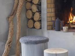 deco tronc d arbre un tronc d arbre et de la couleur par regards et maisons