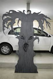 Scary Halloween Props For Haunted House by Spooky Tree Prop Or Decoration How To Make A Creepy Tree Or