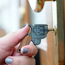 Who Said Keys Had To Be Boring With These Gun Shaped Key Covers You Can Easily Distiguish Your House No More Fumbling In The Dark When Youre Full Of