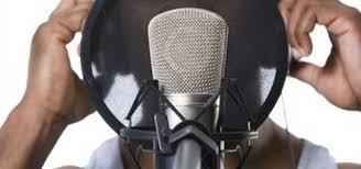 Rapper Sing To Designor Beats
