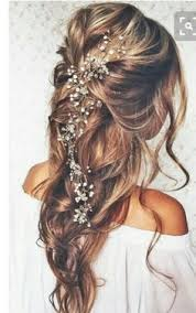 18 Most Romantic Updos Beachy Style But Idk How It Woudl Do In The Wind With