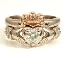 claddagh engagement ring & wedding band set heads up people if I
