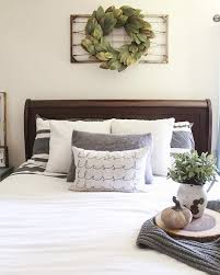 An Out Of The Box Idea For Above Bed Hang Old Wire
