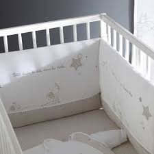 tour de lit bebe mickey tour de lit disney fille chambre bebe panpan arrive de bb dans le