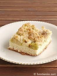 rhabarberkuchen mit streusel und hefeteig vom blech brotwein