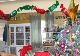 Whoville Christmas Tree Decorations by Crafting Occurs Grinch And Whoville Decorating 101