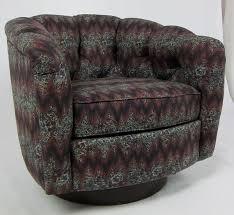 Natuzzi Swivel Tub Chair by Best 25 Swivel Barrel Chair Ideas On Pinterest Movie Chairs