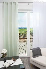 ösenschal ideen fürs wohnzimmer hier ein transparenter