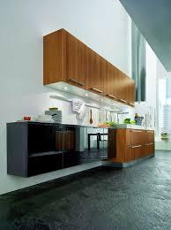 cuisine bois et cuisine bois et verre noir brillant