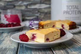 vanille erdbeer käsekuchen high protein cheesecake