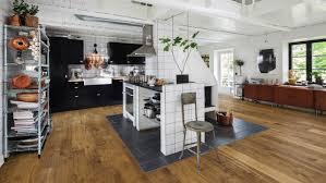 edles parkett in der küche holzland beese unna