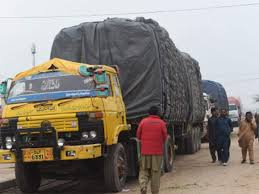 100 Global Truck Traders India Pakistan Trade 70 Trucks Carrying Tomatoes And Potatoes