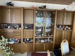 schöner großer wohnzimmer schrank schrankwand massiv holz