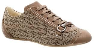 احذية منوعة  في قمة الروعة لجميع الاذواق , مجموعة احذية تهبل للبنات images?q=tbn:ANd9GcQcUd8YHS-73_2Pp3FUrj4iVLJqfxPn9MEp3EHoz0aXlHEbZPxY&t=1