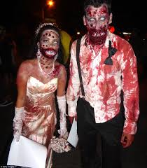 Halloween Theme Park Uk by Halloween Revelers From Superheroes To Killer Clowns Celebrate In