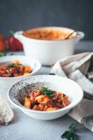 spanischer kartoffel paprika eintopf mit chorizo und hähnchenbrust