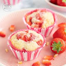 erdbeer muffins mit weißer schokolade