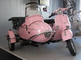 VESPApink Scooter With Side Car
