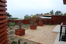 Ipe Deck Tiles Toronto by Wood Deck With Vinyl Railing Deck Design And Ideas
