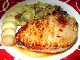 cuisiner un chou vert côte de porc poêlée au chou vert