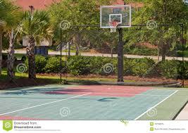 terrain de basket exterieur terrain de basket extérieur photo libre de droits image 19735075