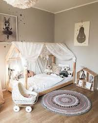 Lots Of Ideas For A Zoo Or Jungle Themed Kids Room Many Items In