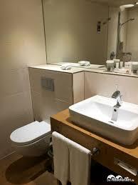 modernes badezimmer im hotel in neuss reisefanten de