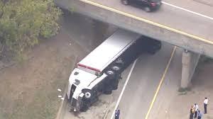 100 Truck Ramp WATCH Semitruck Overturns On NB I75 Ramp To Lodge Freeway