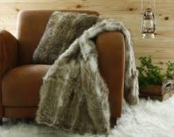 plaids fausse fourrure pour canapé plaid imitation fourrure becquet