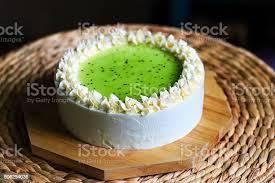 die kuchen kiwi creme kuchen beschichtete oberfläche stockfoto und mehr bilder aufschäumen