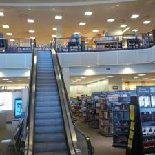 Barnes & Noble 40 s & 69 Reviews Bookstores 401 NE