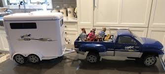 LIKE NEW BREYER Horse Pickup Truck And Horse Trailer W/Breyer Dolls ... John Deere Toys Monster Treads Pickup Hauler With Horse Trailer At Breyer Stablemates Animal Rescue Truck The Play Room 5356 Pickup And Gooseneck Ebay Giddy Up Go 701736 Dually Identify Your Accsories 132 Model By Loading Mini Whinnies Horses In Ves Car Drama At Show