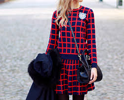 Blonde Fashion Blogger Girl Look Combo Outfit Street Style Tumblr Winter Dress