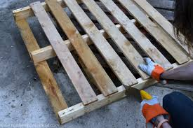 Building An Easy Pallet Deck