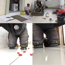 Knee Pads For Hardwood Floor Installers by 7 Professionals Who Must Need Knee Pads For Work Surely