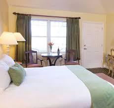 An Enchanting Silverton OR Hotel Oregon Garden Resort