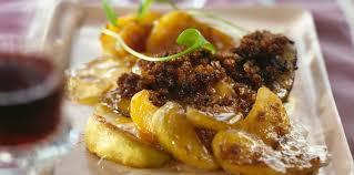 cuisiner un foie gras cru foie gras frais de canard poêlé aux pommes facile recette sur