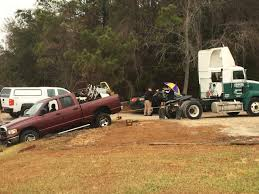 100 Stuck Truck Deputies Morehead City Man Arrested After Truck Stuck At Crime
