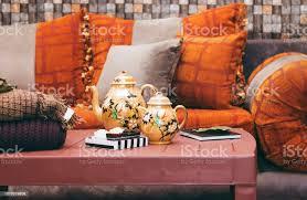 innenraum der ein orientalisch eingerichteten zimmer marokkanischen stil im wohnzimmer marokkanischen stil im wohnzimmer stockfoto und mehr bilder