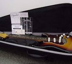 John Mayer Signature Series Fender Stratocaster And Case 3 Tone Sunburst Guitar