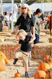 Kent City Pumpkin Patch by Gwen Stefani U0026 Gavin Rossdale Pumpkin Patch With The Kids Photo