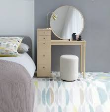 Vanity Ideas For Small Bedrooms by Best 25 Small Dressing Table Ideas On Pinterest Small Vanity