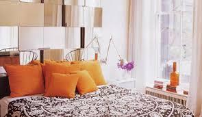 schlafzimmer gestalten mit spiegel bett kopfteil aus