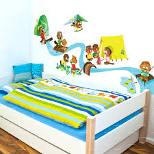 stickers pour chambre d enfant stickers chambre d enfant castors à la montagne
