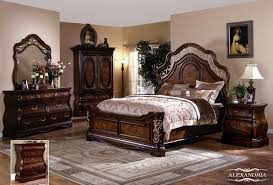 Alexandria 5 PC Bedroom Set Queen Bed Dresser Mirror And 2