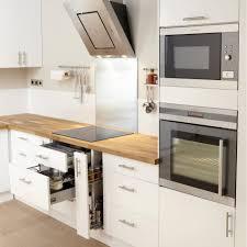 cuisine bois blanchi meuble cuisine bois blanc urbantrott com
