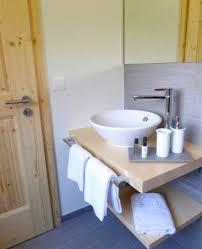 badezimmer im alpenstyle bild hotel restaurant roseg